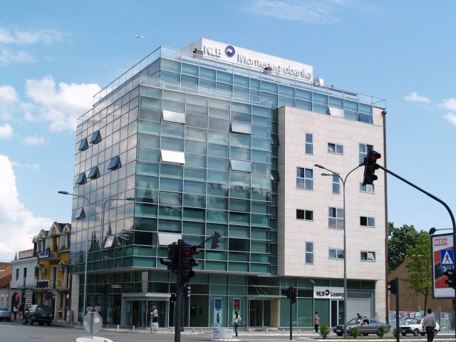 _full-banka_zgrada